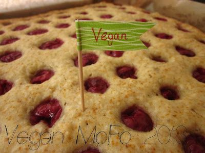Zusammen is(s)t man weniger allein - oder: Frau Schulz wird vegan.: Vegan MoFo 2013: Bananen-Kokos-Kuchen vom Blech