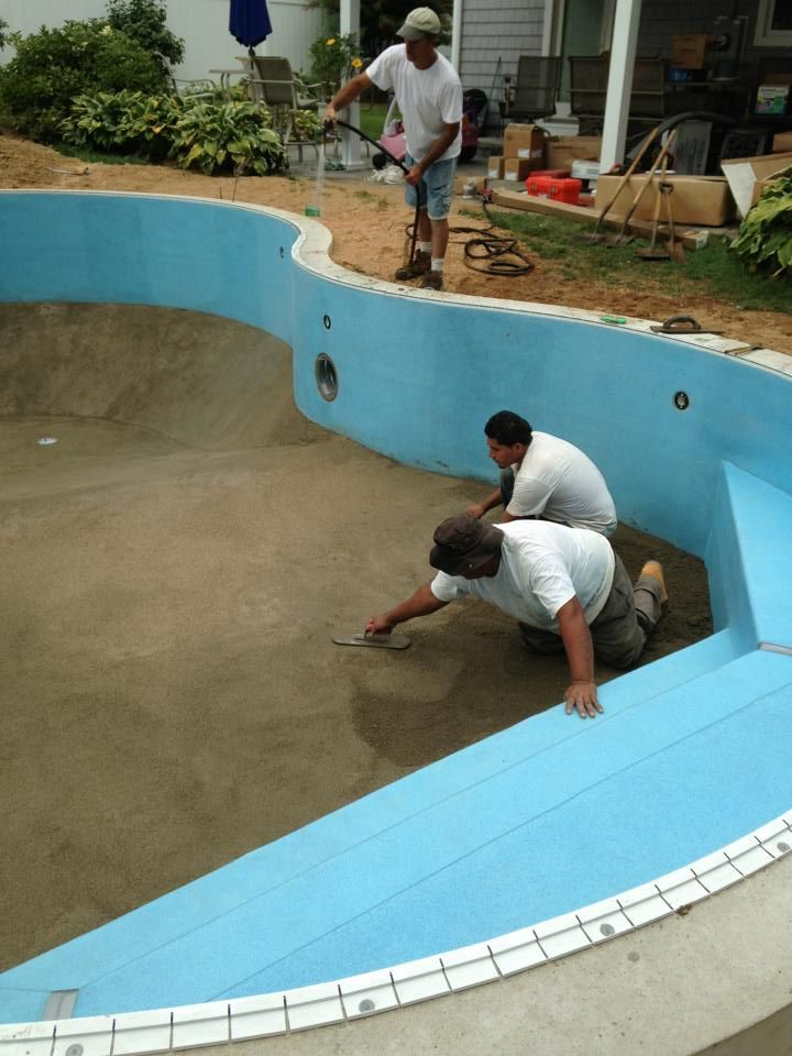 Hard bottom swimming pool Exaggerate. Completely