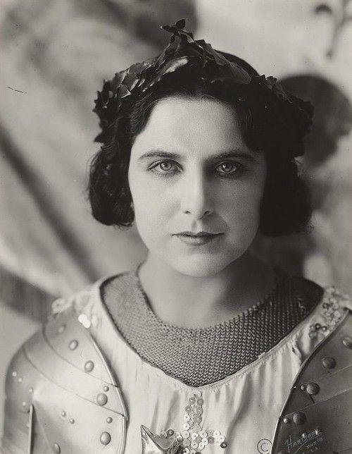 American actress and soprano Geraldine Farrar.