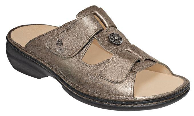 Wie Alle Finn Comfort Schuhe Hat Das Modell Pattaya In Der Farbe Espresso Ein Auswechselbares Fussbett Es Ist Verziert Mit Ei Schuhe Damen Damenschuhe Sandalen