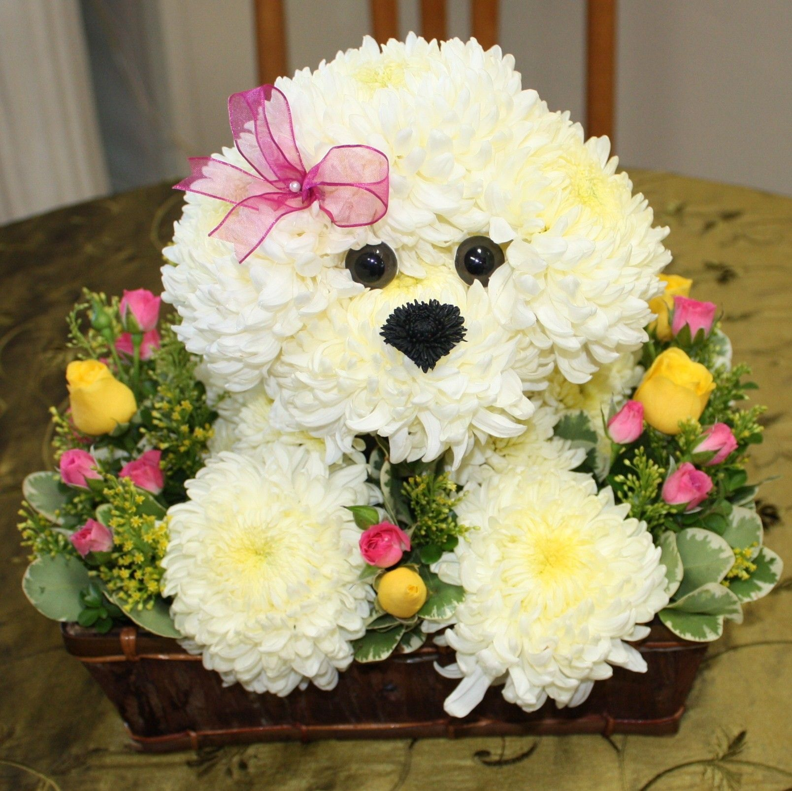Flower Arrangements Shaped Like Dogs New 153 Best Images About Dog And Animal Flower Arrangements Creative Flower Arrangements Unique Flower Arrangements Unique Floral Arrangements
