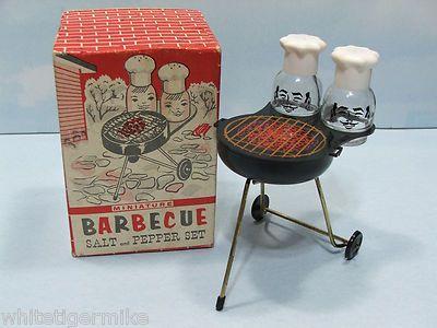 BBQ Grill plastic salt and pepper shaker set (1958).