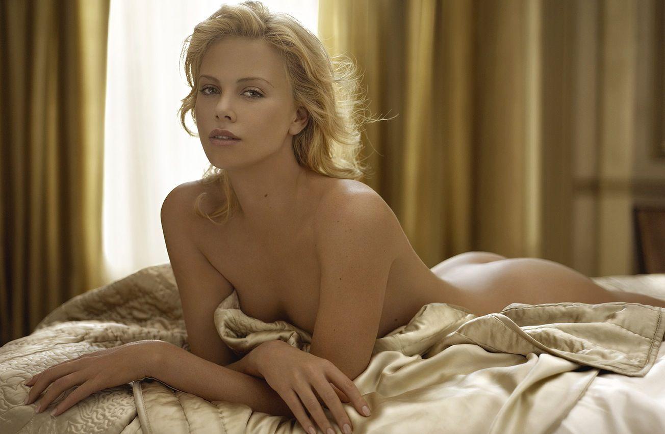 Side wife her lying nude on