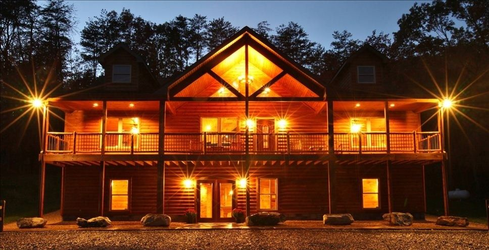 cabins large tub shenandoah with river lots overlooking bear rentals the bubbles valley lawn hot jets of and modern