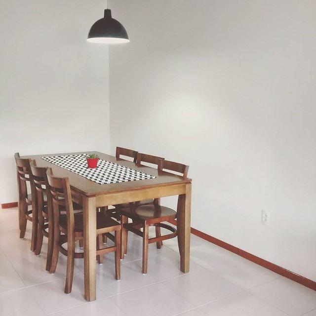 ▶Olha o q chegou!!! Finalmente temos uma mesa de jantar◀ #design1982 #design #instadecor #instahome #decor #decoracao #madeira #saladejantar #homesweethome