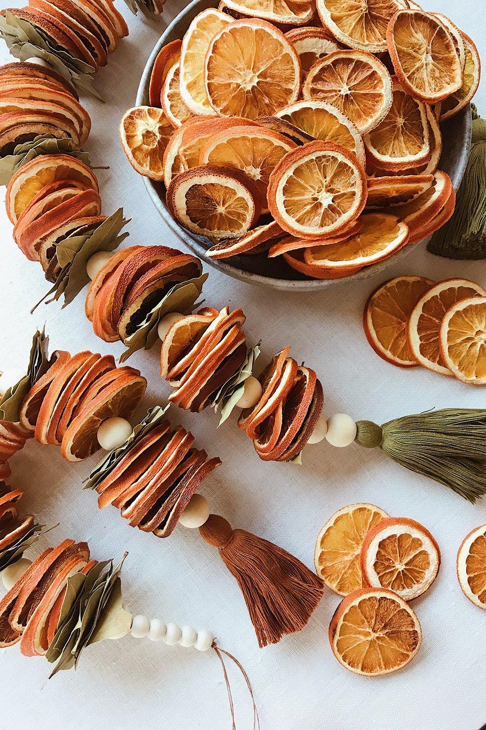 DIY Dried Citrus Garlands Dried oranges, Christmas diy, Diy
