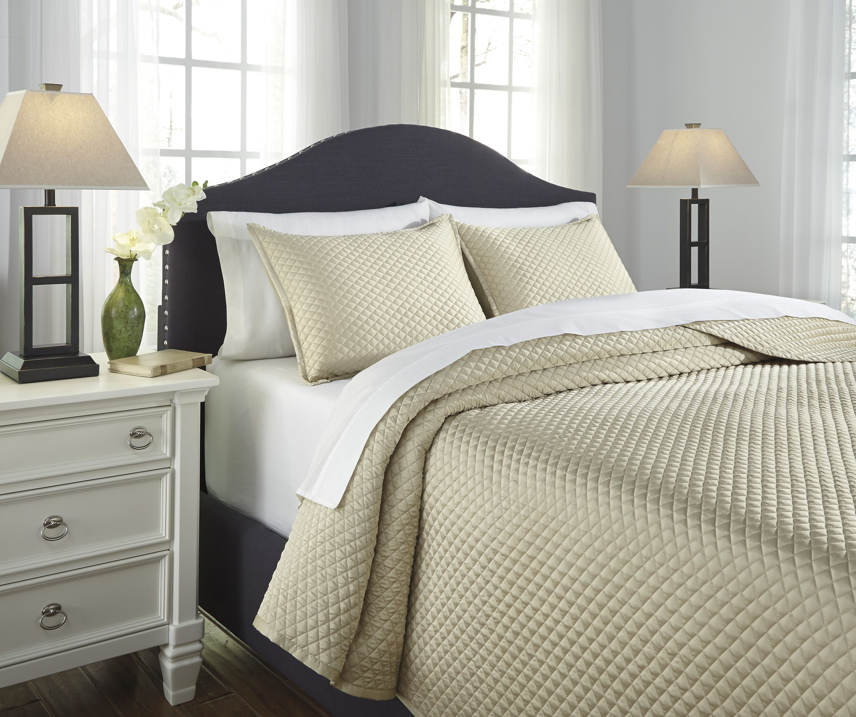 Dietrick Ivory Q256053 Three Piece Bedding Set by Ashley