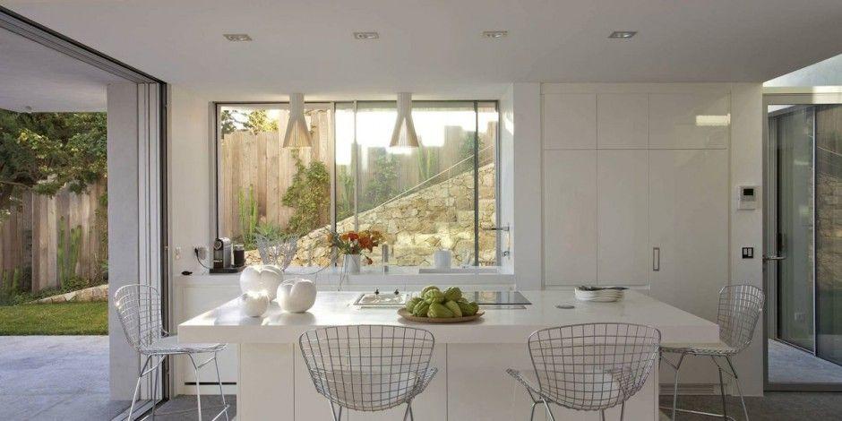 Great #minimalist #kitchen > Architect Vincent Coste has designed a #home in Ramatuelle, near Saint Tropez.