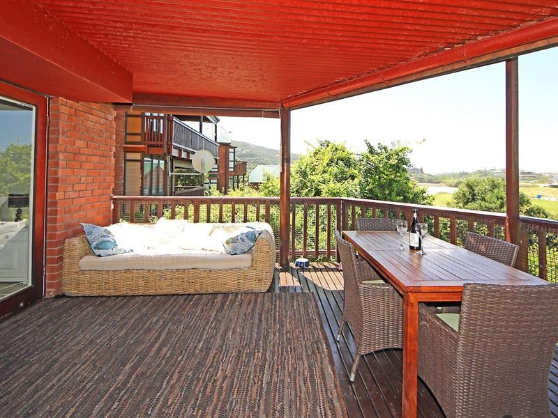 Wilderness Milkwoods Luxury Apartment - Situated in an indigenous Milkwood forest, 5 minutes walk from the beach, the apartment has been recently refurbished into a luxuriously modern beach cottage style, with light laminated wooden floors throughout. ... #weekendgetaways #wilderness #southafrica
