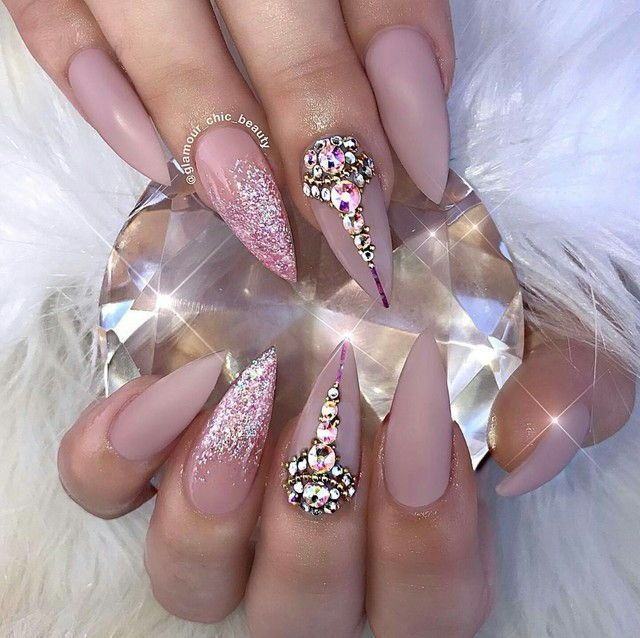 Pin by Nina on Nohtki | Pinterest | Crystal nails, Neutral nails and ...