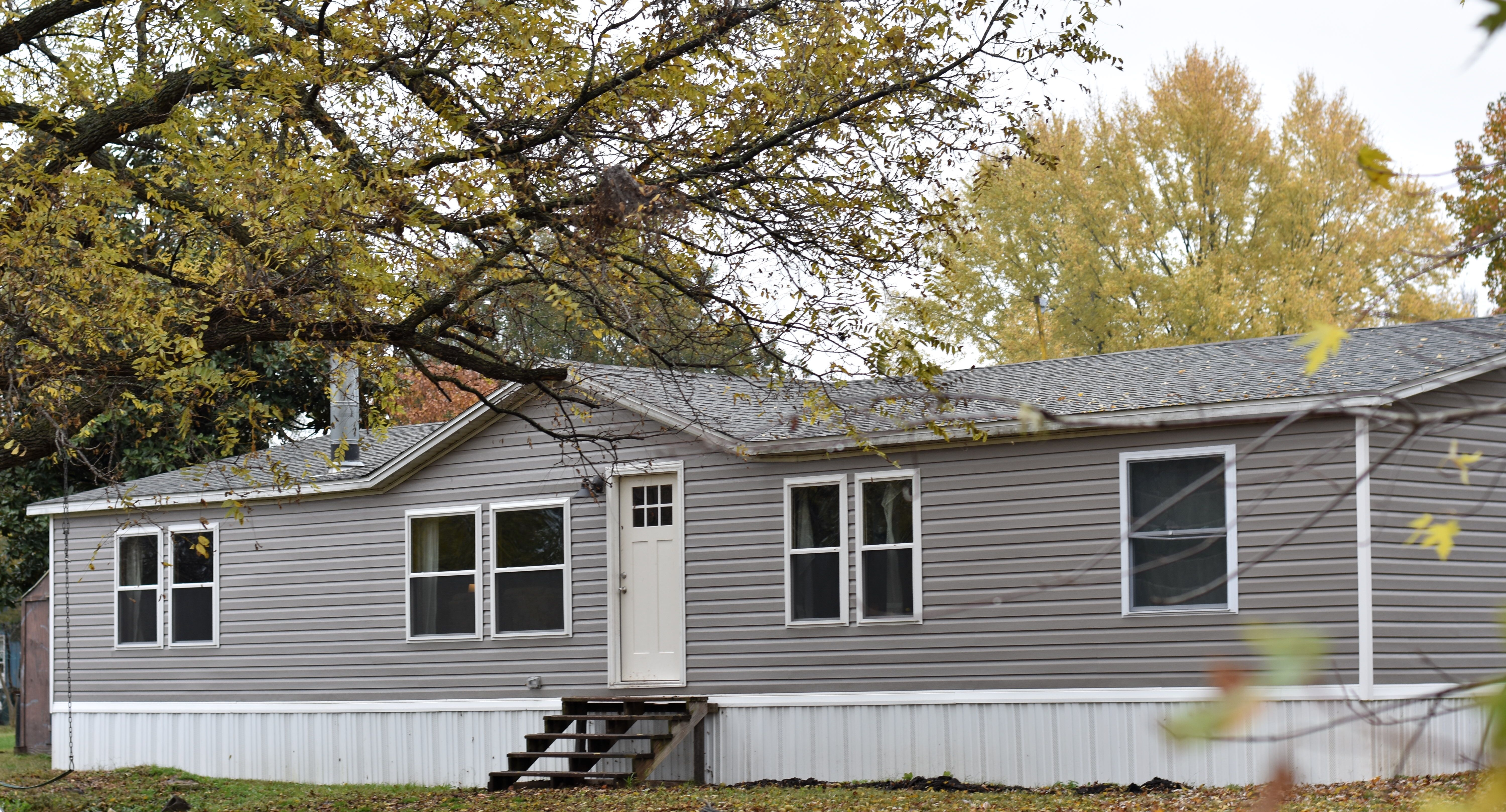 Did You Know You Can Remodel A Prefab Home Just Like You Would Any Other Home Check Out How In 2020 Double Wide Manufactured Homes Exterior Remodel Farmhouse Remodel