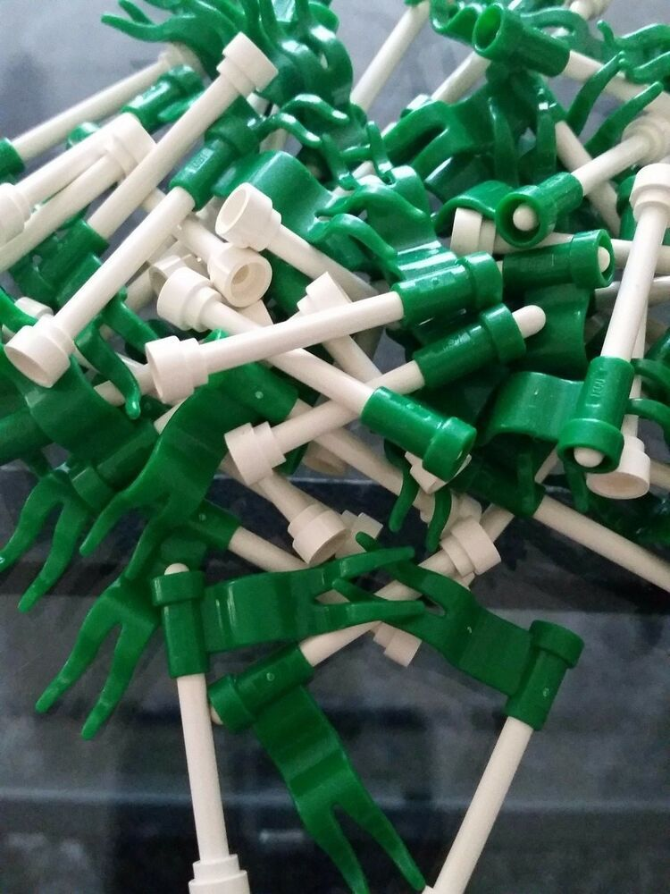 Lego 4 Red Wavy Flag NEW
