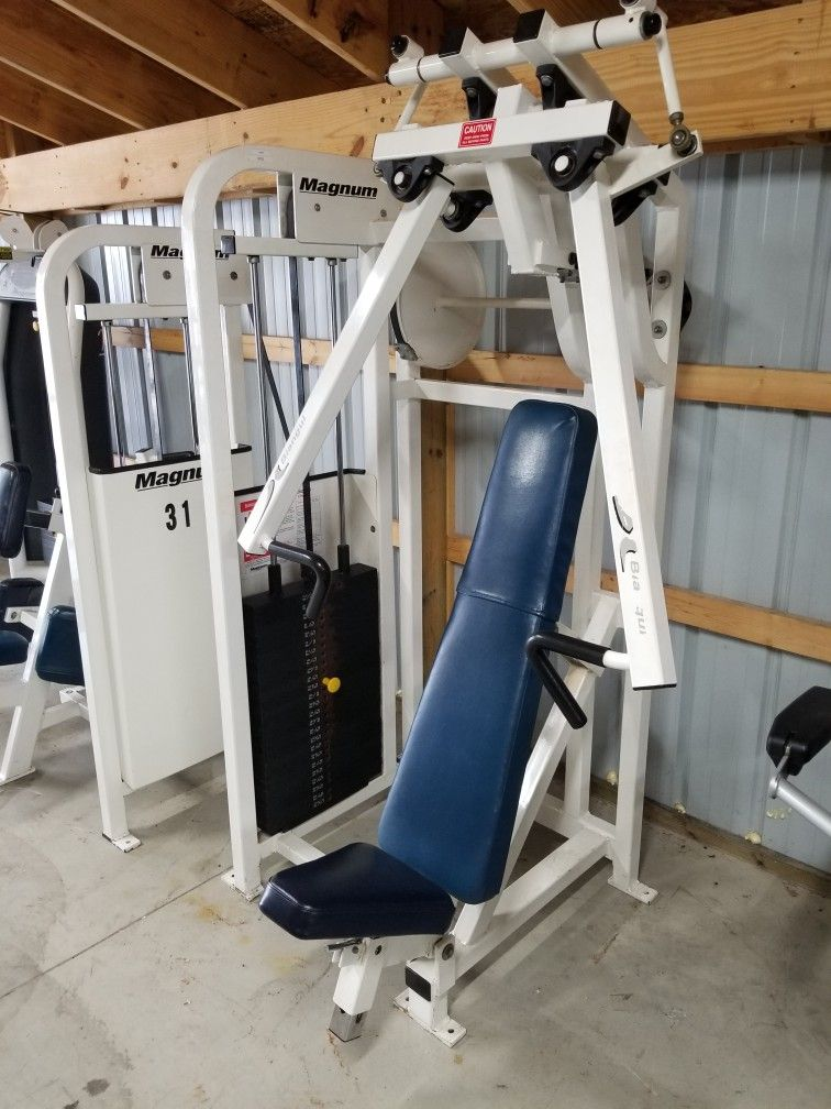 New Pre Owned Arrival Magnum Biangular Chest Press 500 Magnum Pre Inventory