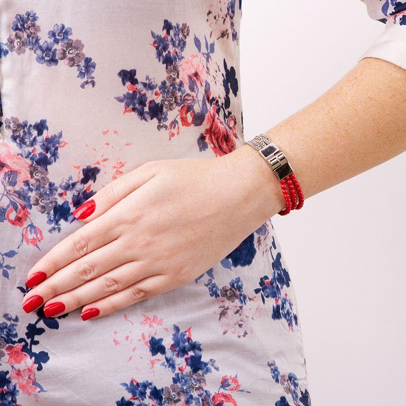 Pulseira com fecho ímã de banho prata e fio de contas coral rojo