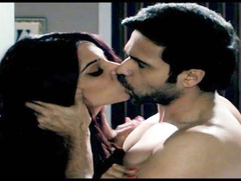 Bipasha Basu Kiss Scene