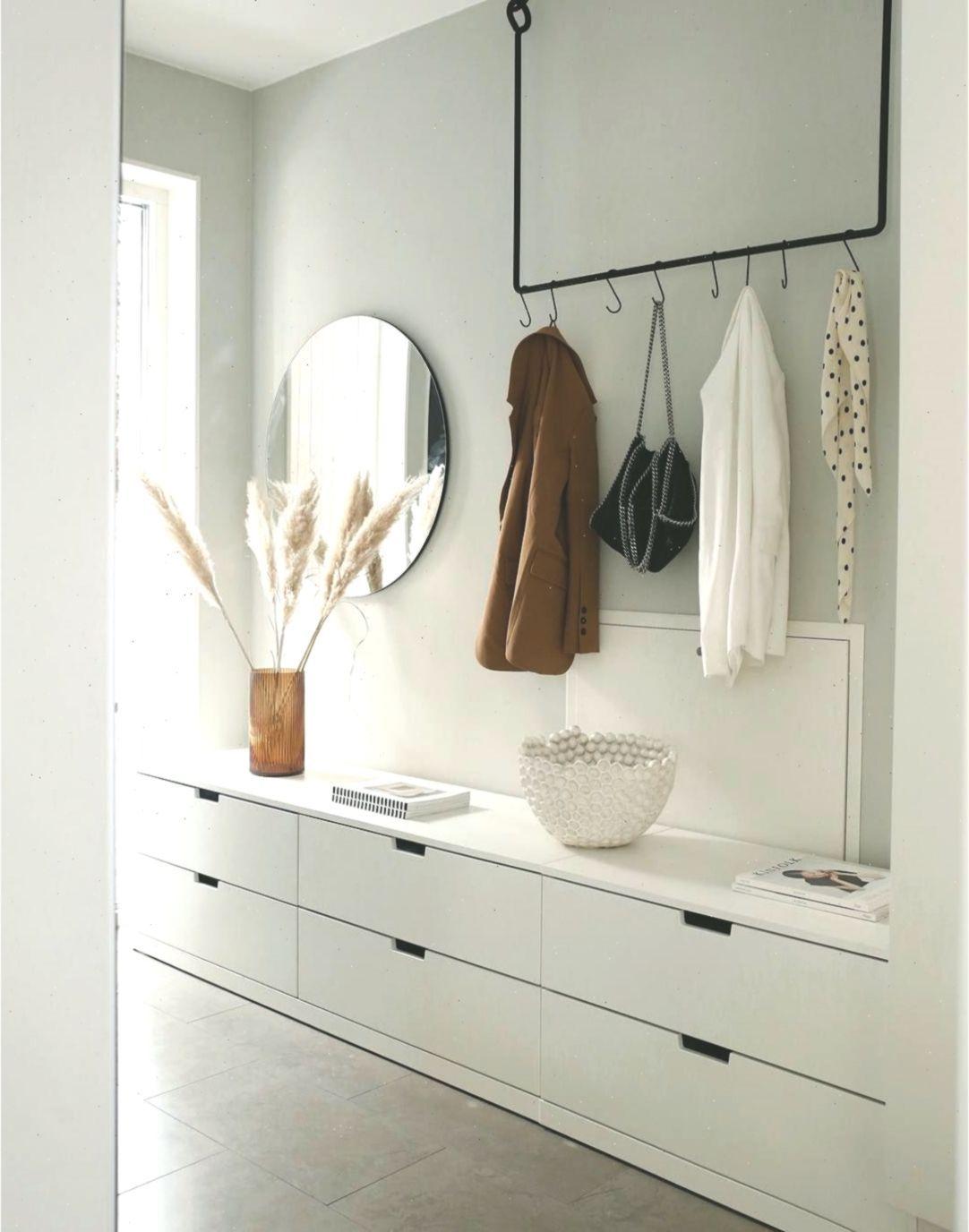 So Dekorieren Sie Ihren Luxus Eingangsbereich Insplosion Blog Flur Hallwayentrance In 2020 Hallway Storage Timeless Bathroom Hallway Designs