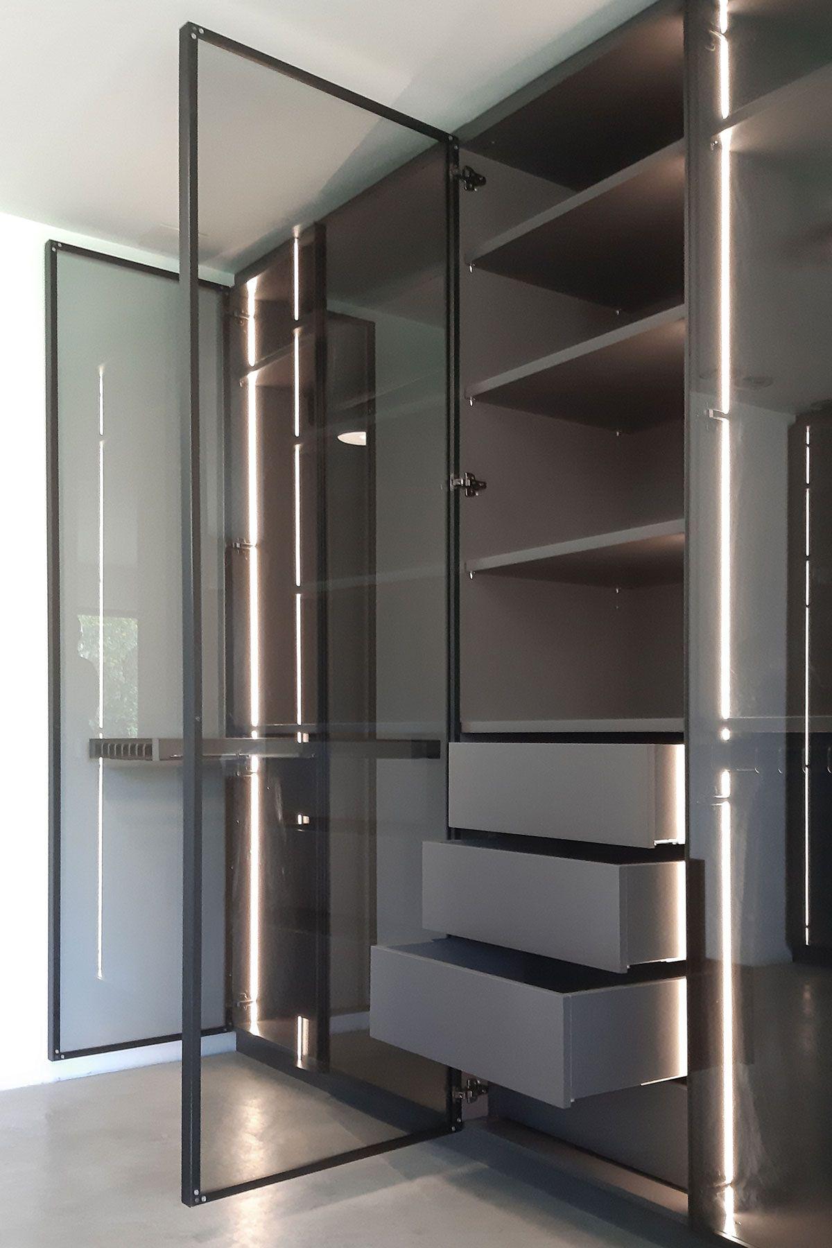 Zwillingseinbauschranke Mit Indirekter Beleuchtung In 2020 Einbauschrank Ankleide Ankleidezimmer