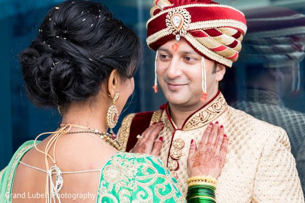 Indian Bride and Groom Portrait http://www.maharaniweddings.com/gallery/photo/79904