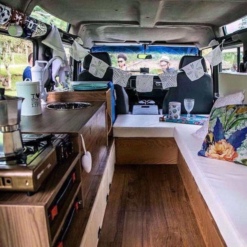 70 Simple Motorhome Interiors Decor Ideas 5b56036602201 Motorhome Interior Land Rover Defender Interior Camper Interior