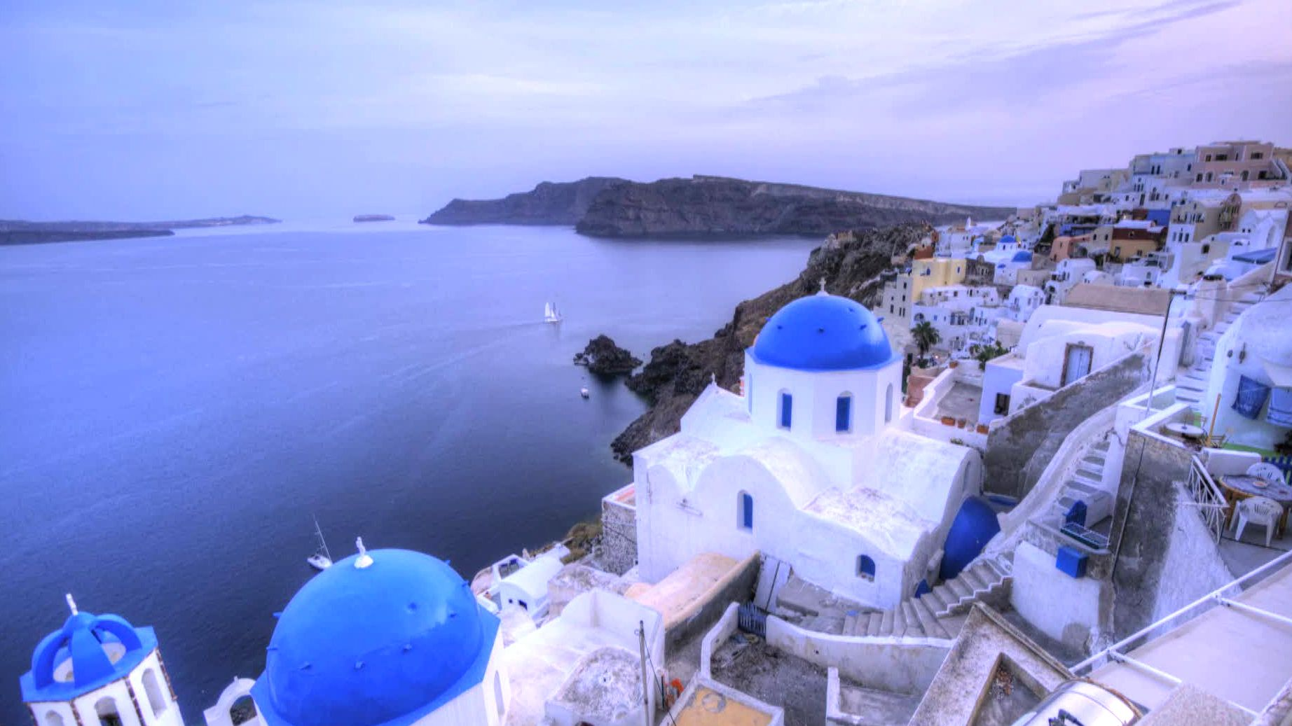Greek Vacation Fantasy: Pick up your Jackie O sunglasses and head off to a Mediterranean wonderland.