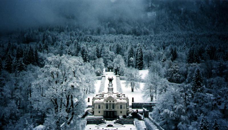 Linderhof Palace Linderhof Palace Germany In Winter Castle