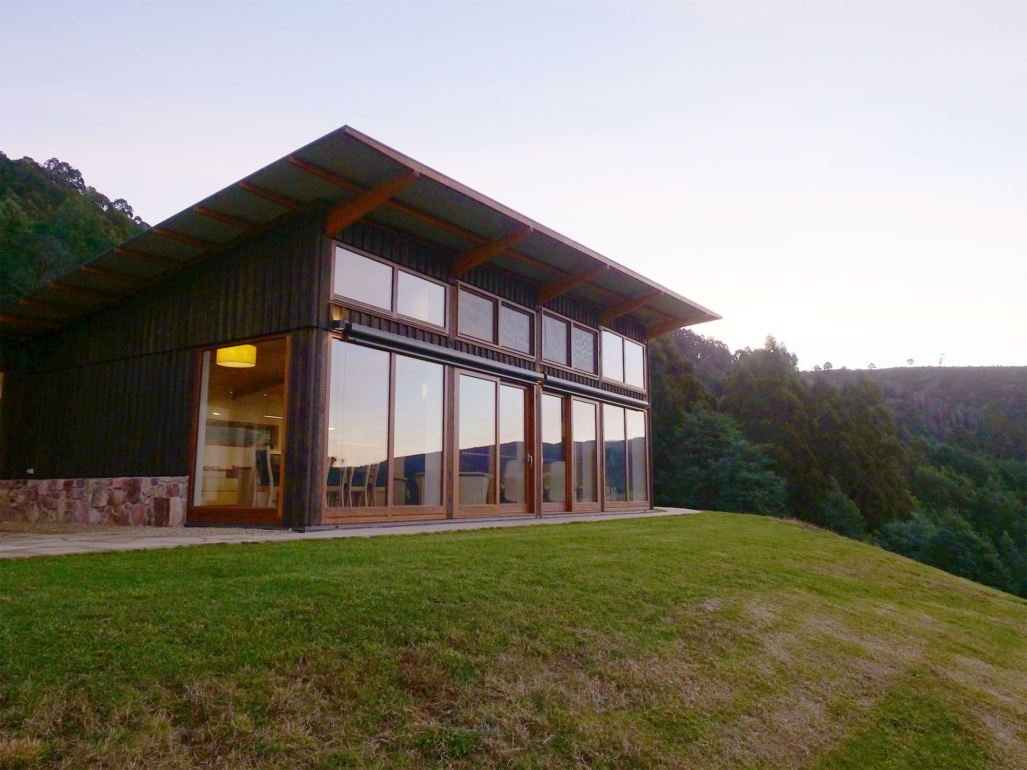 Tasmanian Off Grid Home Inspires Sustainable Living
