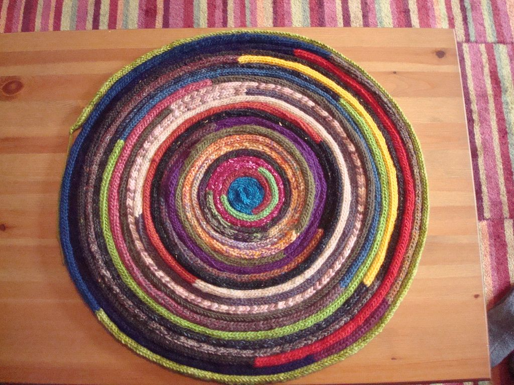i-cord rug – made with leftovers