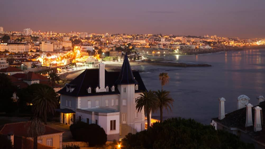 Venture from Portugal's capital city to explore stunning palaces, sample fine wines and relax on natural beaches.