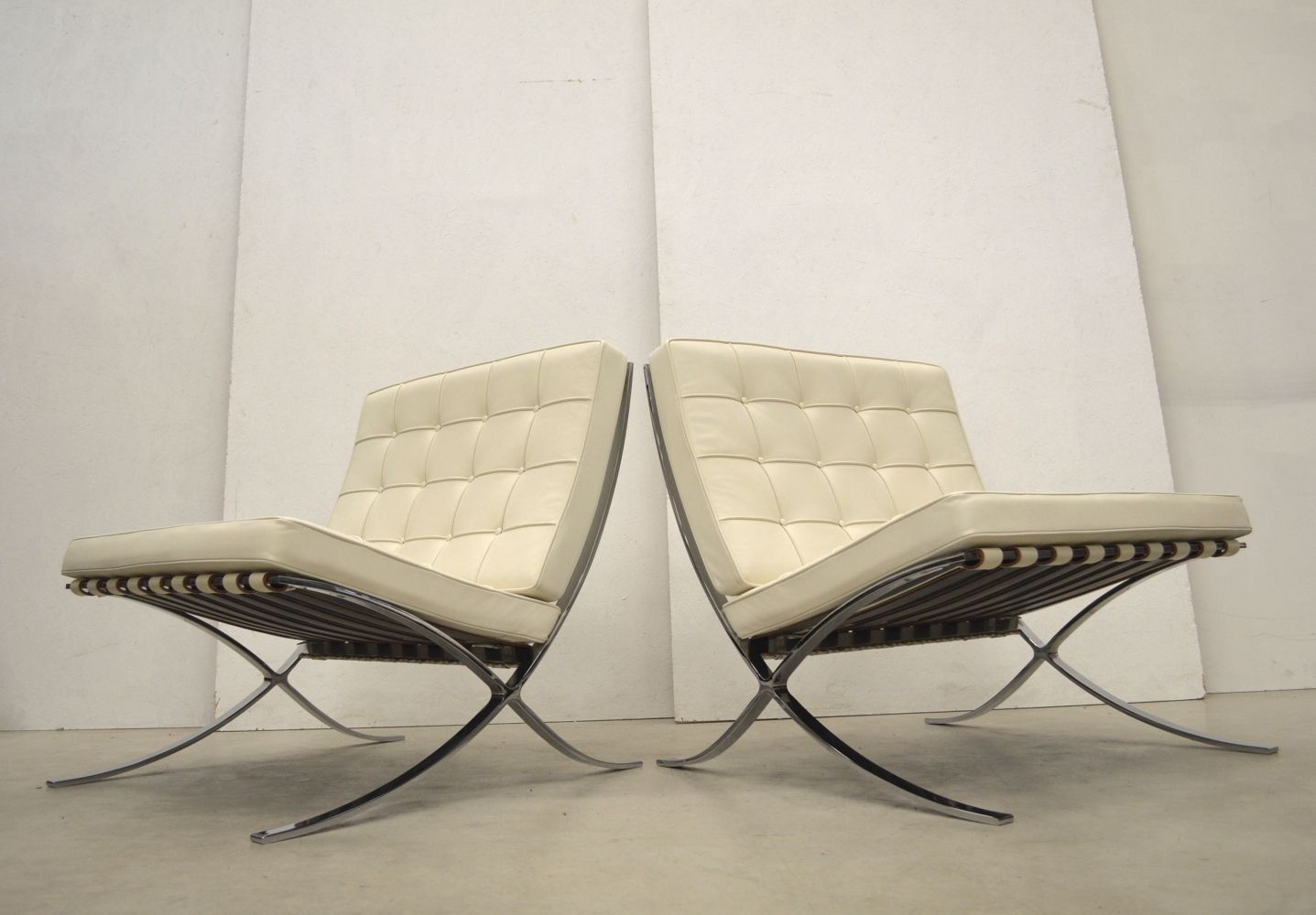 For Sale Pair Of Barcelona Lounge Chairs By Ludwig Mies Van Der Rohe For Knoll 1990s In 2020 Lounge Chair Mies Van Der Rohe Chair