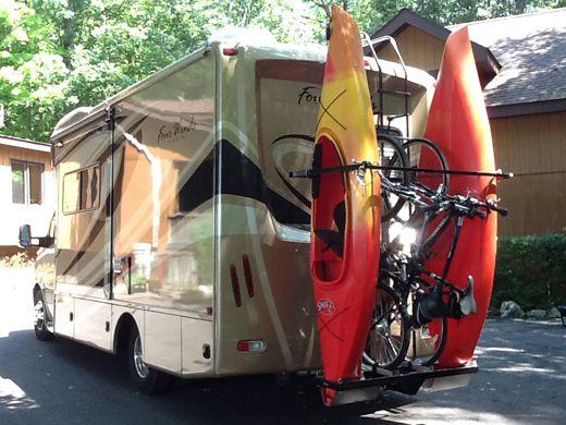 Styling Rv Kayak And Bicycle Rakes Kayak Rack Kayak Camping