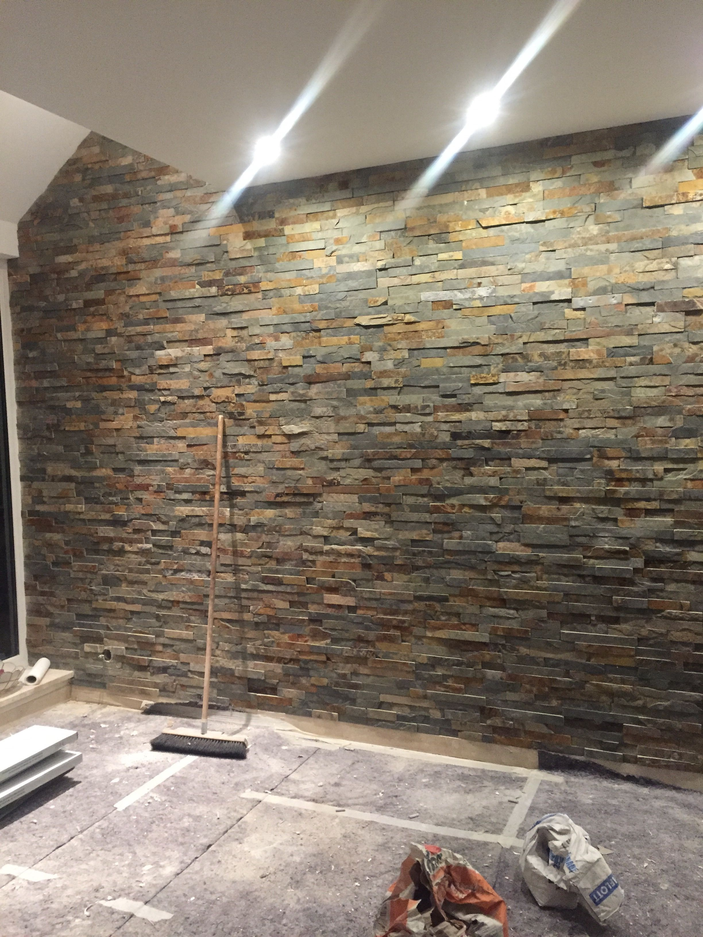Natursteinwand aus Schiefer/Wohnzimmer  Natursteinwand, Steinwand