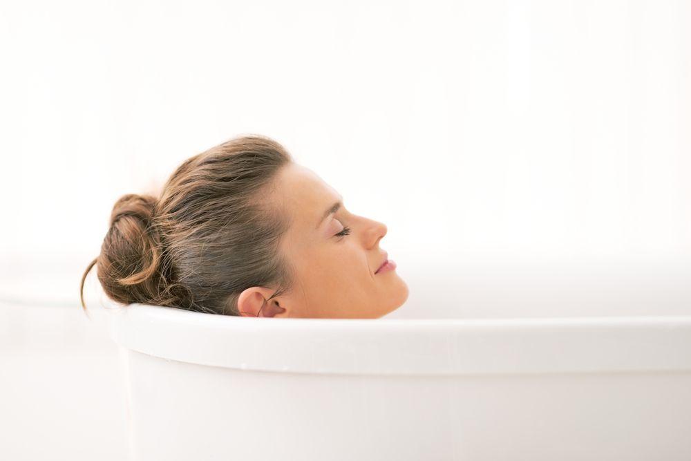 die aura reinigen salzbad das salzbad ist ein wunderbares mittel den k rper zu entgiften und. Black Bedroom Furniture Sets. Home Design Ideas