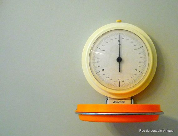 Retro Kitchen Scales Wall Hanging Scales Orange Por RueDeLouvain