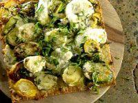 Pizza aux courgettes, fromage de chèvre et menthe - Recettes - À la di Stasio