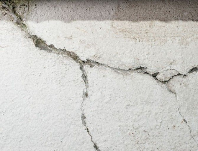 Comment Reparer Les Fissures D Une Facade Fissure Mur Fissure Comment Reparer