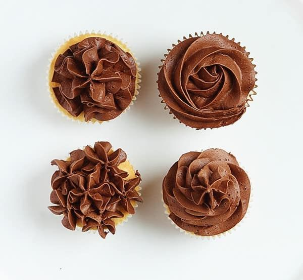 Four Easy Ways to Frost a Cupcakes with an Open Star Tip(1M)!