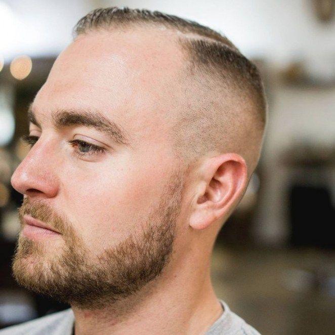 Junge männer mit glatze
