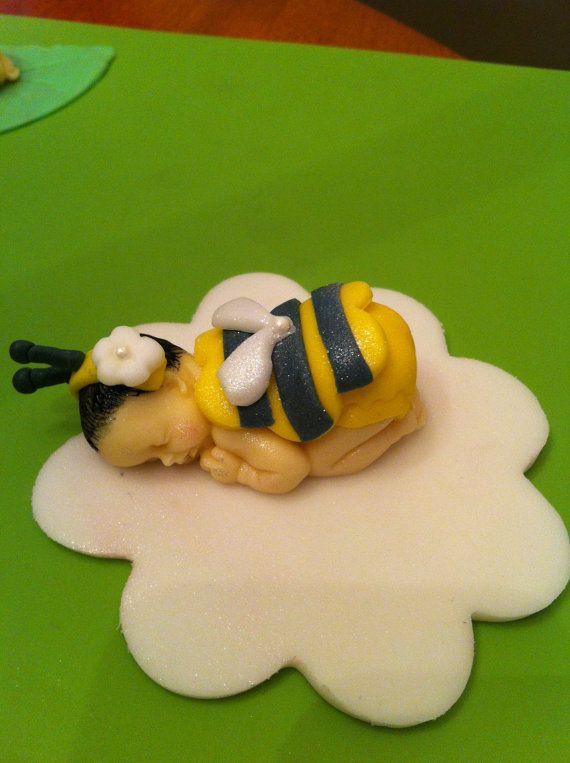 Edible fondant bumblebee baby cake topper