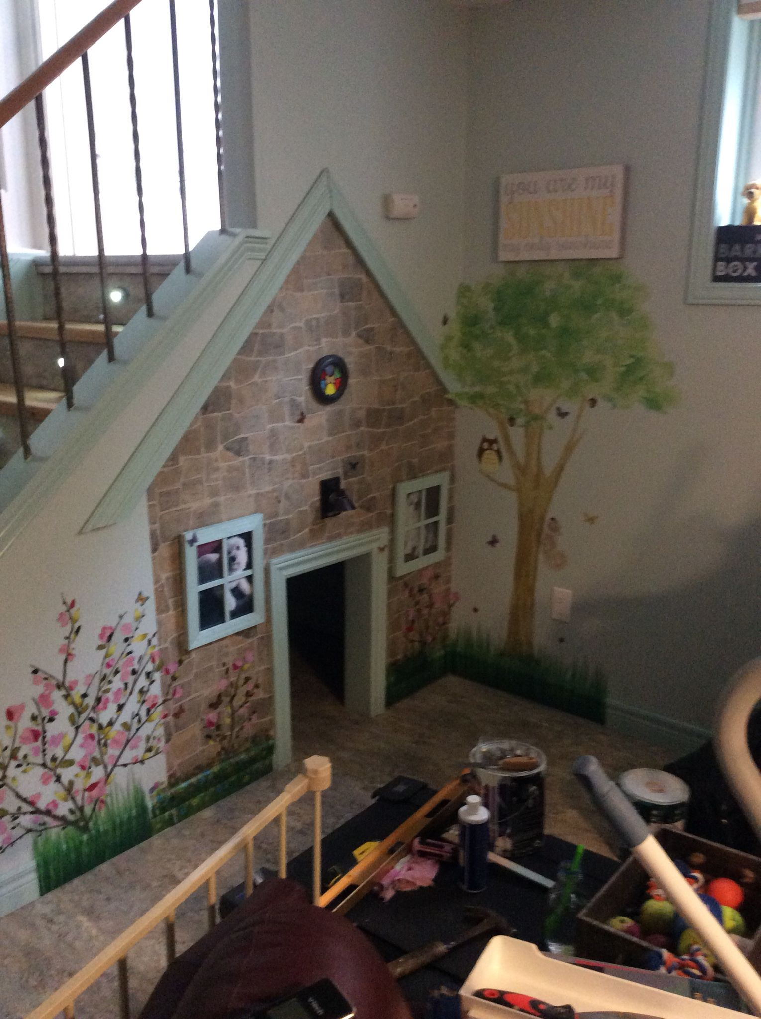 Dog House Under The Stairs Avec Images Lit Chien Maison Deco