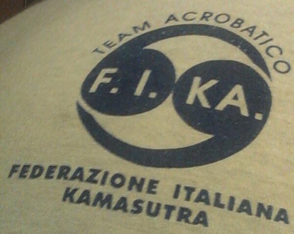 222 - #federazione #Italiana #kamasutra #team #acrobatico #logo #t-shirt #maglietta