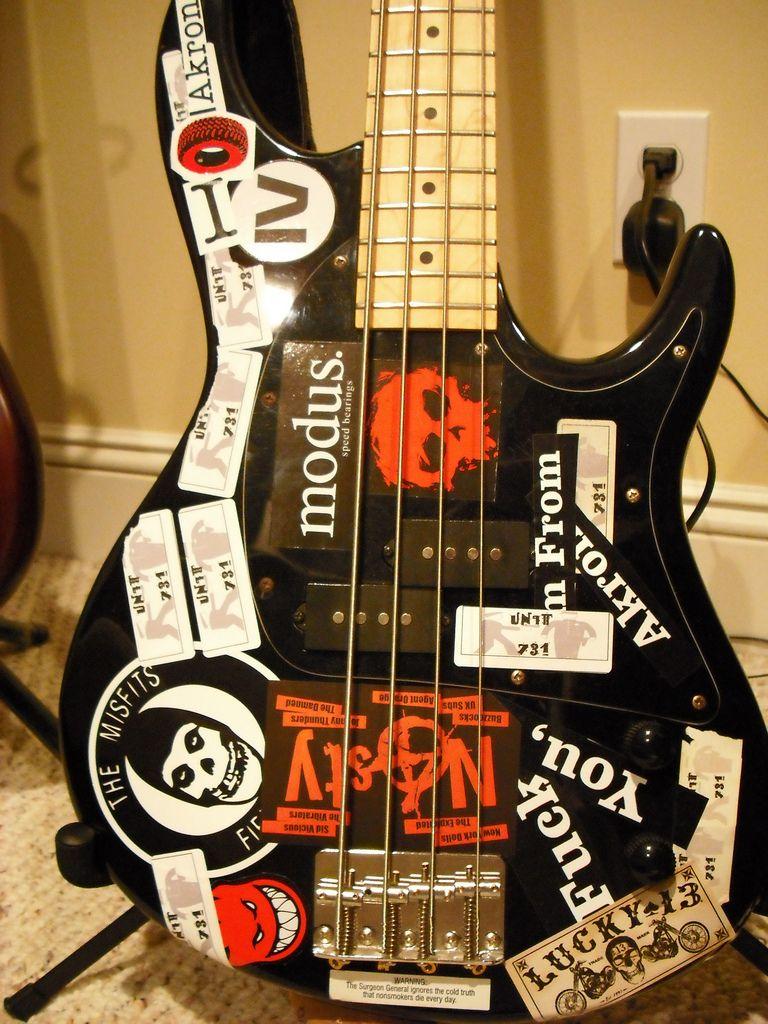 punk bass google search bass guitar pinterest bass. Black Bedroom Furniture Sets. Home Design Ideas