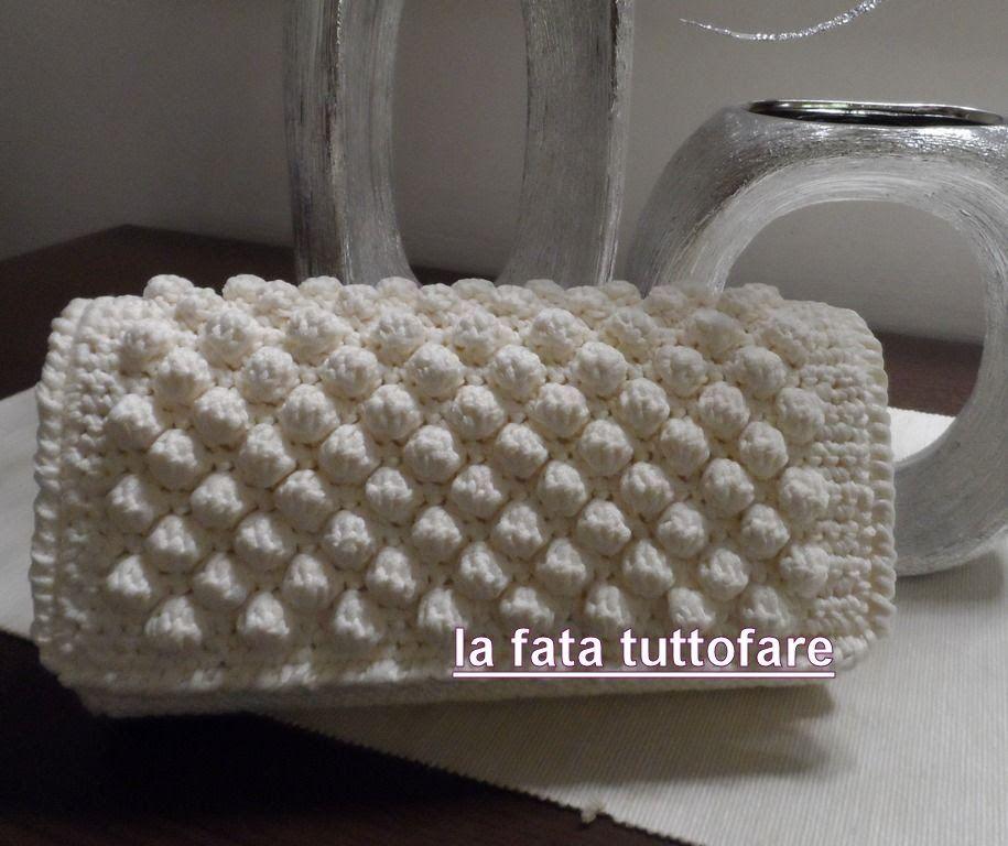 Pochette In Cordino Realizzata A Punto Nocciolina O Bubble