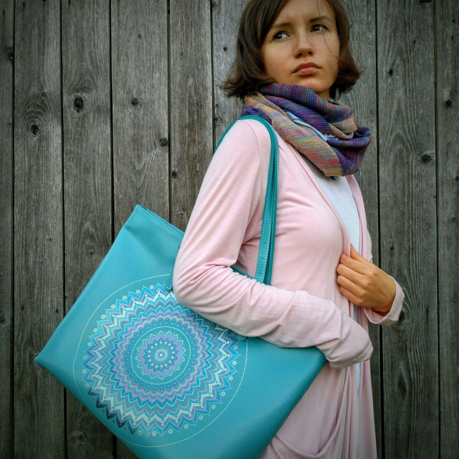 Blue tote bag............