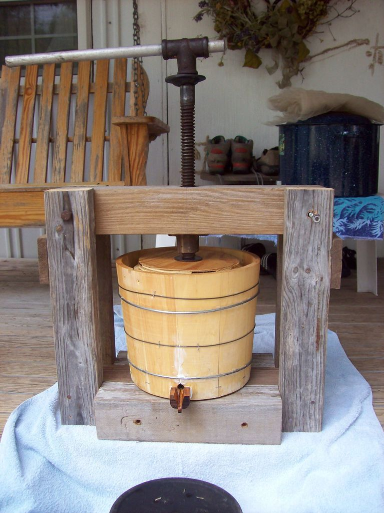 Small homebuilt cider press cider press homesteads and for Home wine press