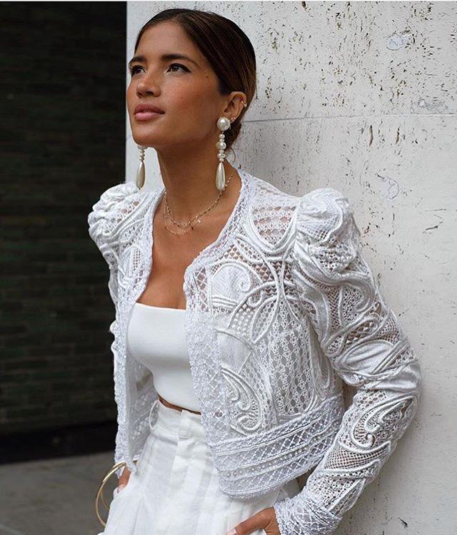 """FRIEDA THERÉS auf Instagram: """"Leute, wie mega schön. Ich denke, das ist ein Bomben-Outfit für das # Standesamt #hotornot? #repost @rocky_barnes ❤️ #bridalgoals # easyglam… """""""