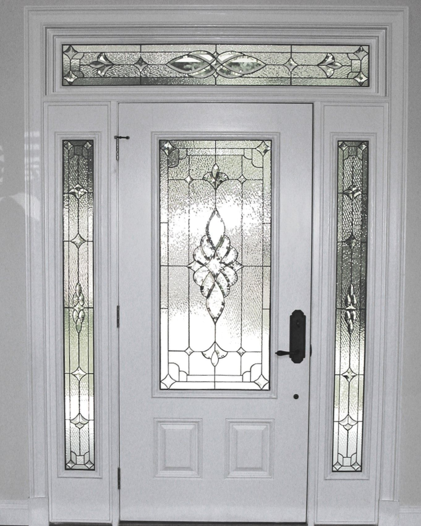 The Design Of This Door Has A Lot Of Kinds That Are Made Use Of Both In Modern Minimalist Traditi Door Glass Design Leaded Glass Door Traditional Front Doors