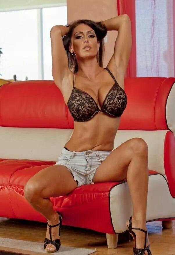 Big booty an tits