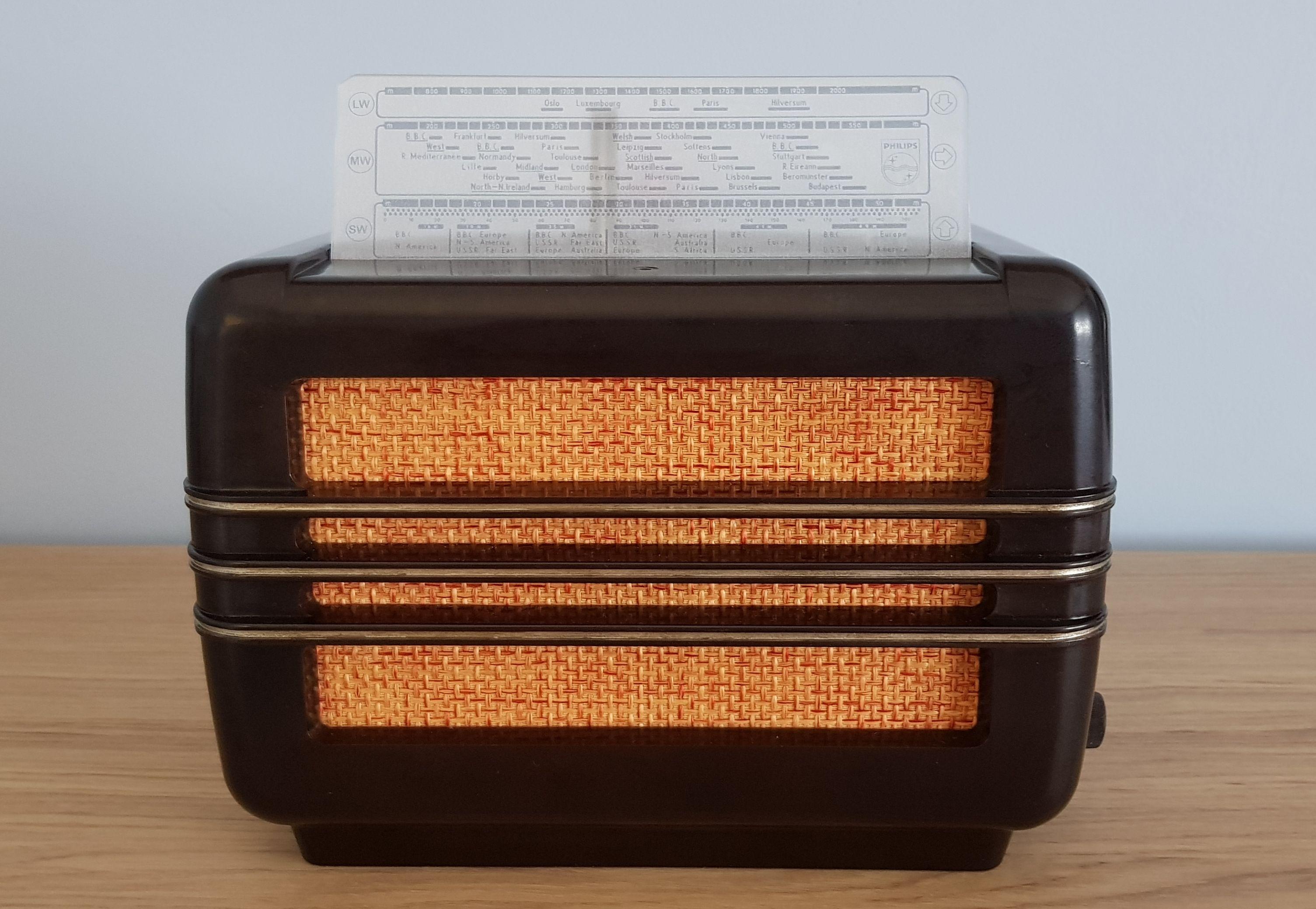 Vintage Radio Phillips Bx281u