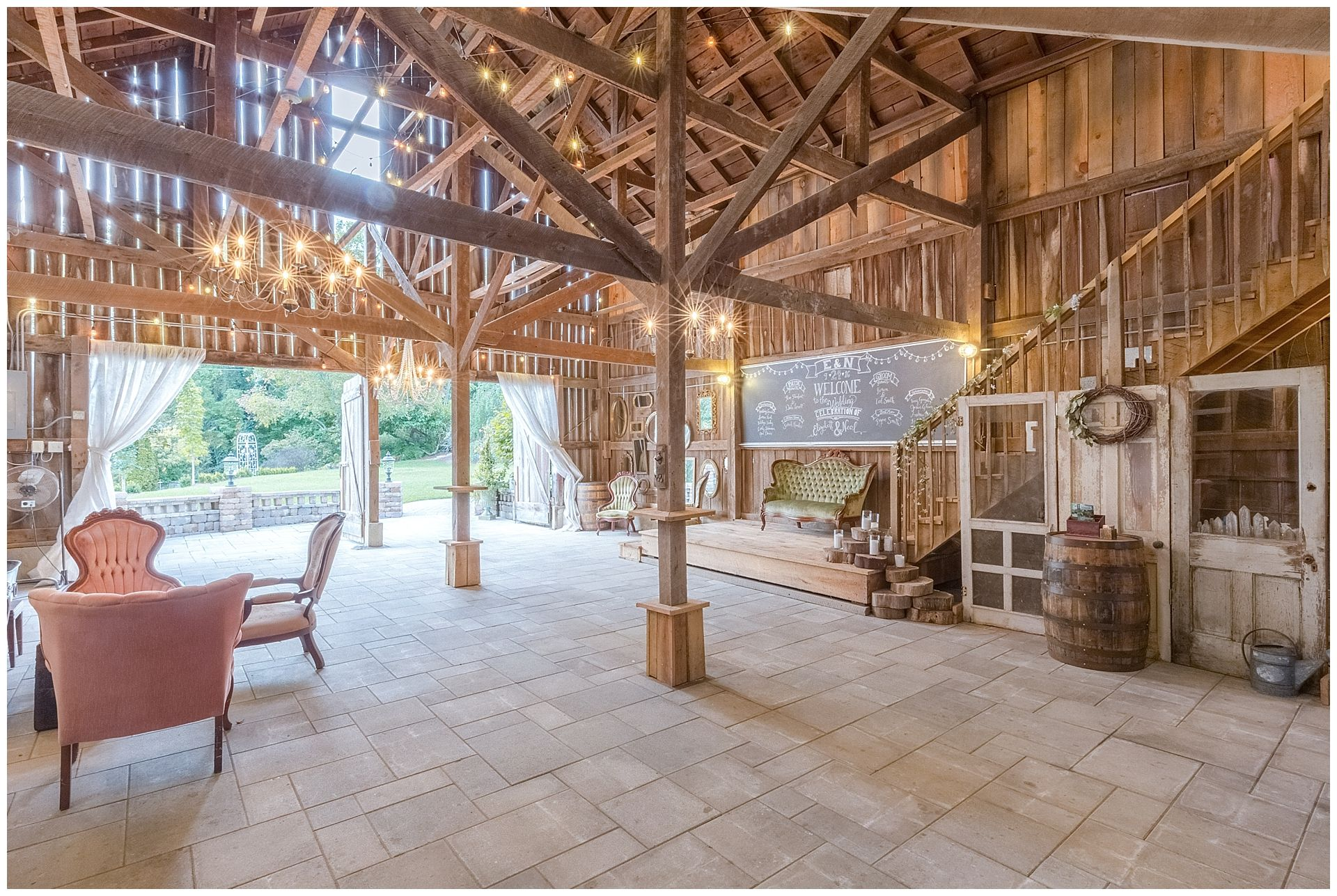 The Barn At Springhouse Gardens Is A Rustic Wedding Venue Located In Nicholasville Ky