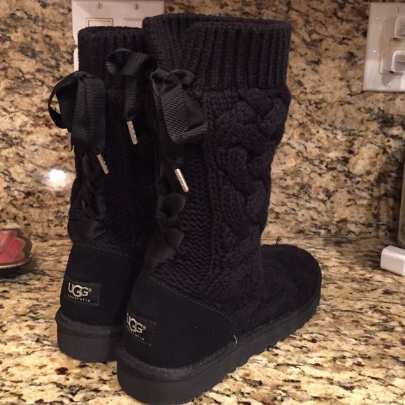 af44e4f6415 Ugg cable knit boots with bows Black cable knit uggs with ribbons ...